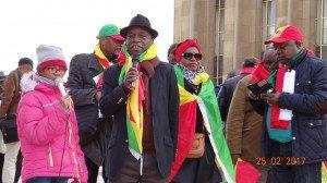Le Professeur Magloire NDoba dénonce tout  sur le parvis